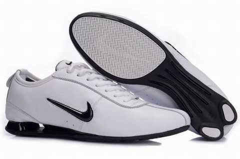 chaussure homme nike shox