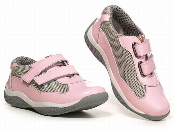 chaussure prada bebe bebe chaussure nike prada enfants rouge blanc neuve 2010 rekin. Black Bedroom Furniture Sets. Home Design Ideas